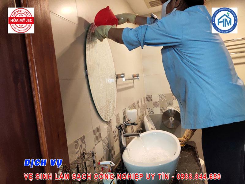 Dịch vụ vệ sinh công nghiệp Hà Nội 4